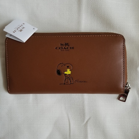 ab53f81cc9 NWT-Coach X Peanuts Accordion Zip Wallet Snoopy NWT